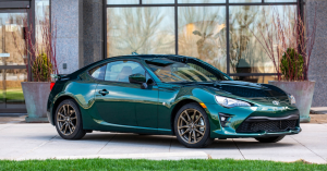 Driving Pleasure in the Toyota 86 Sports Car