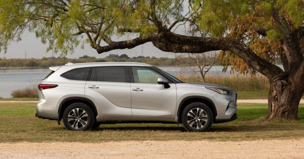 Three-Rows of Family Driving in the Toyota Highlander L
